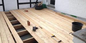 auf Holzunterkonstruktion